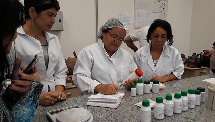 Laboratório de Óleos da Amazônia Foto Agência Pará 73373 224111 2