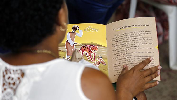 Clube de Leitura promove debate sobre a importância da formação de novos leitores e escritores
