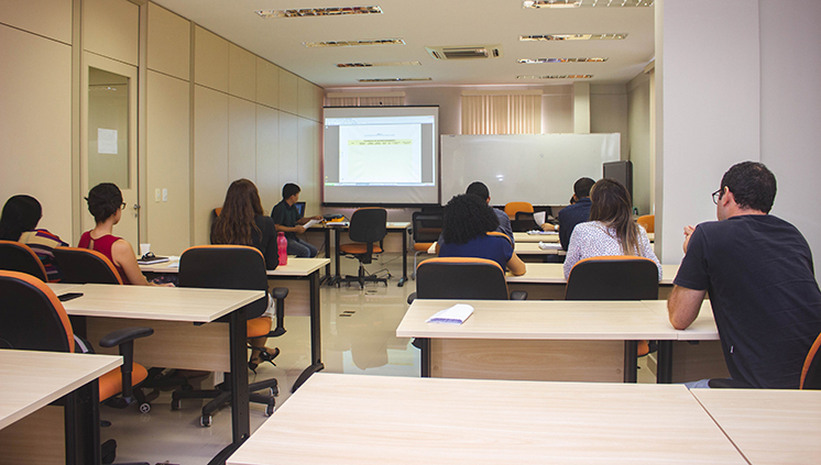 Representantes de setores da Universidade se reúnem para discutir Plano de Gestão de Logística Sustentável