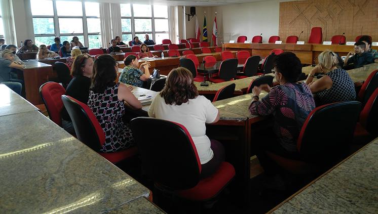 Servidores participam de palestra sobre orientação e auxílio para a aposentadoria