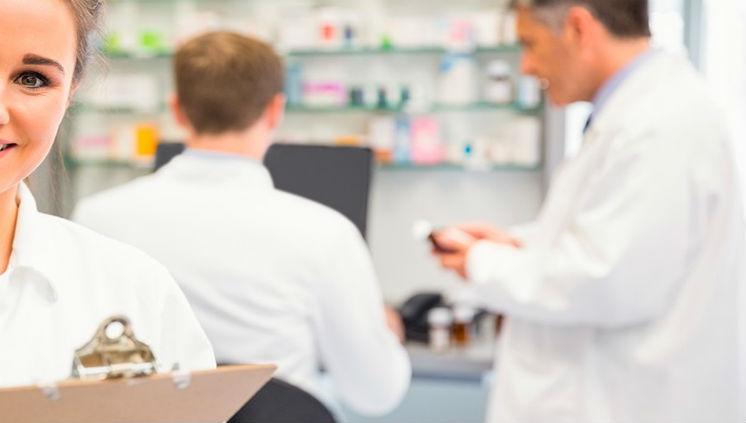 Faculdade de Farmácia inscreve para vagas remanescentes da Especialização em Gestão da Farmácia Clínica
